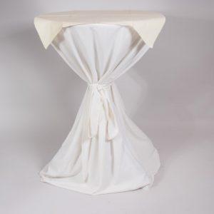 Statafel met hoes wit en napperon   1