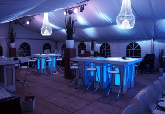 DMX statafels, Partyverhuur Goossens, Partyservice, Aankleding, Led hangtafels, Led Bar, Tap, Huwelijk, Bruiloft, Opening