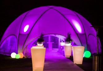Licht door laatent, Megadome tent, Partyverhuur Goossens, Bluiloft, Huwelijk, Ronde tent, Crossover tent, Hexadome tent, Partytent, Feesttent, Evenementen