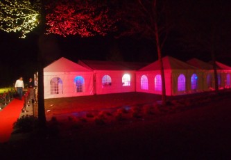 Uitlichten tent,Megadome tent, Partyverhuur Goossens, Bluiloft, Huwelijk, Ronde tent, Crossover tent, Hexadome tent, Partytent, Feesttent, Evenementen