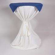 Statafel met hoes wit en napperon   2