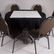 tafel Ø 120 met tafelkleed zwart   2