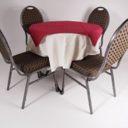 tafel graniet Ø80 met tafelkleed wit   2