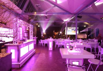 Partyverhuur Goossens, Partyservice, Aankleding, Led hangtafels, Led Bar, Tap, Huwelijk, Bruiloft, Opening