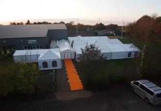 Tent geheel door p.v.g. opgebouwd   3